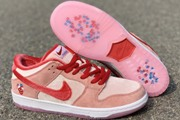 Women Strange Love x Nike SB Dunk Low Valentines Day