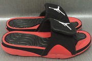 Women Jordan 4 Slipper 001